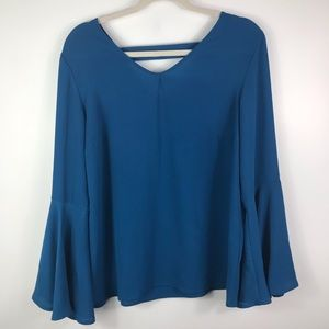 Valerie Stevens V neck quarter boho sleeve blouse